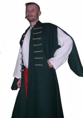 Zöld mente szabad ujjas megoldással, ezüst zsinór gombolással. Fehér ing és piros nadrág